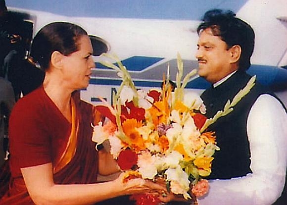 Vilasrao Deshmukh with Congress president Sonia Gandhi