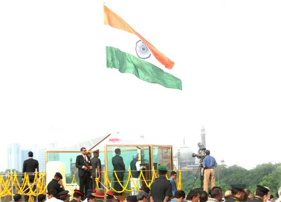 Dr Singh addresses the nation on the occasion of 66th Independence Day from the ramparts of Red Fort