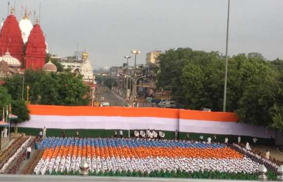 Children participate in the Independence Day celebrations at Red Fort