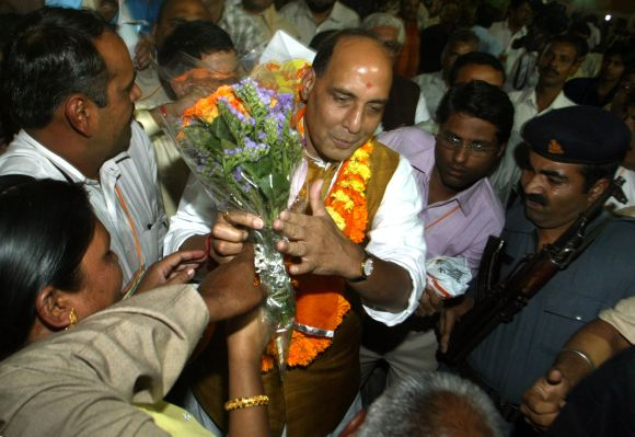 Rajnath Singh greeted by party workers in Mumbai