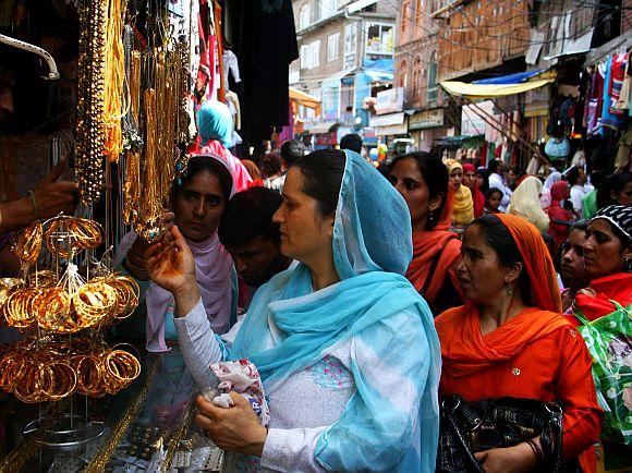 Markets across Kashmir were jam-packed on Saturday ahead of Eidul-Fitr celebrations
