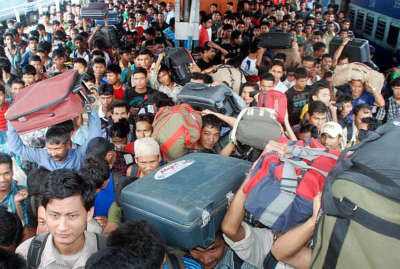 Fear factor drives mass N-E exodus from south India