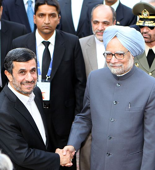 Prime Minister Manmohan Singh with Iranian President Mahmoud Ahmadinejad