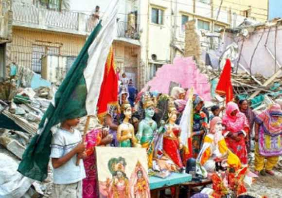 Hindus protest against demolition of the temple in Karachi