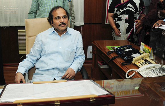 Adhir Ranjan Chowdhury wants to take on Mamata Banerjee.