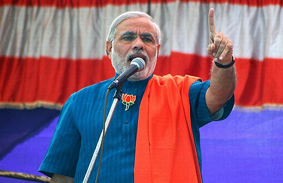 Narendra Modi's Shining Gujarat campaign was shaken by the Congress's Ghar nu Ghar campaign