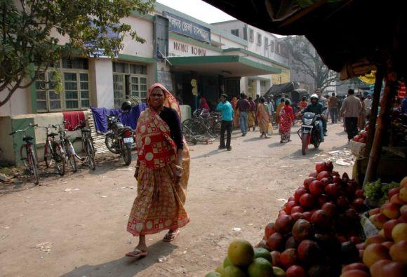 An all-pervading sense of mistrust runs through the veins of Malda Hospital, says a ruling Trinamool Congress activist