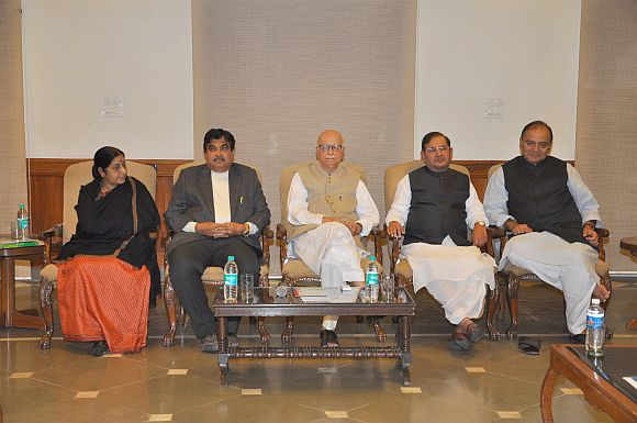 NDA leaders meet at Advani's residence in New Delhi