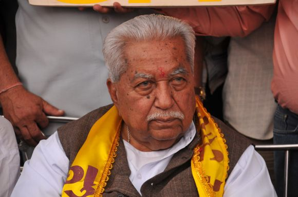 GPP chief Keshubhai Patel at a campaign rally