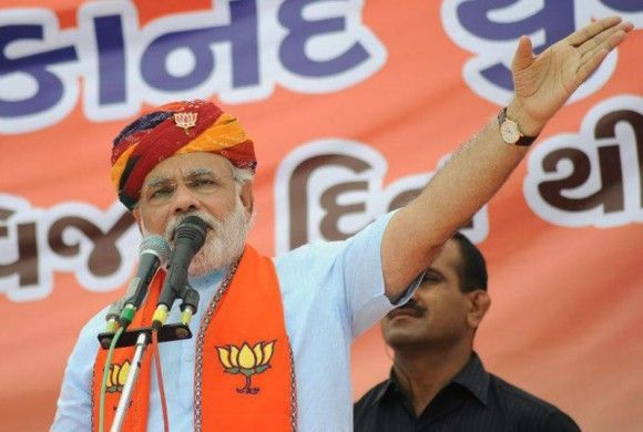 Narendra Modi addressing a rally at Kheda