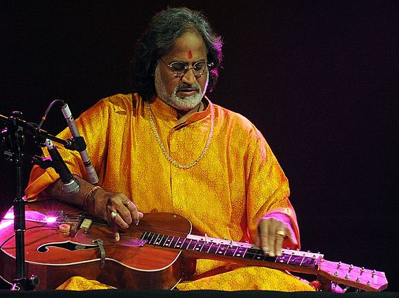 Pandit Vishwa Mohan Bhatt