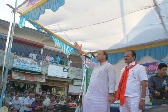 Jaitley addresses rally at Kapadvanj. Seen beside him is BJP's candidate Kanubhai Dabhi