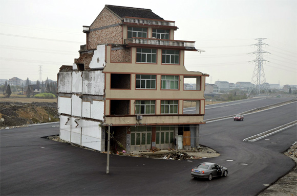 China: Unyielding house owner