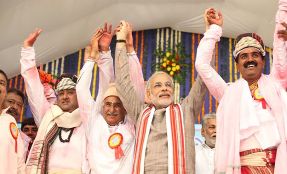 Modi at a Sadbhavna Mission in Porbandar
