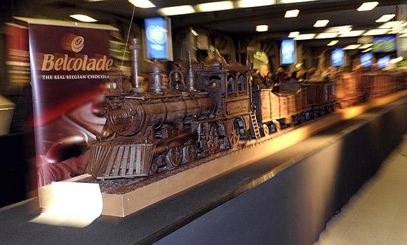 The world's longest chocolate train