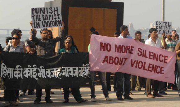 Mumbaikars protest against the death of rape victim at Shivaji Park in Mumbai