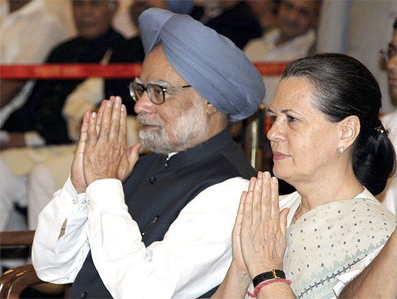 Prime Minister Manmohan Singh with United Progressive Alliance Chairperson Sonia Gandhi