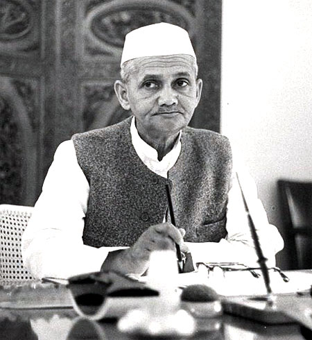 Lal Bahadur Shastri was prime minister for 582 days and died in office