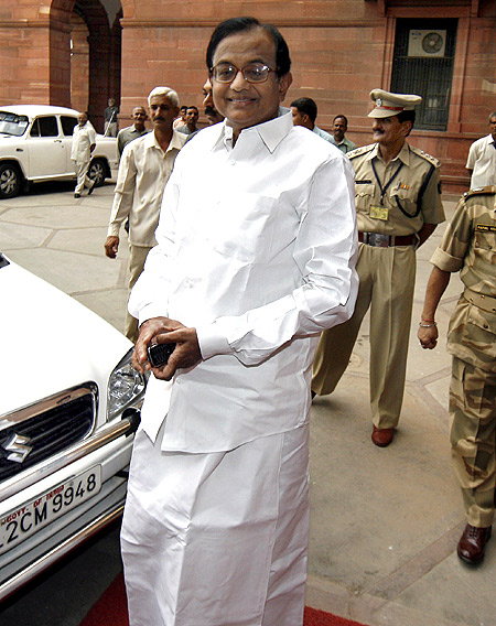Home Minister Palaniappan Chidambaram confronts stiff opposition from chief ministers on the NCTC