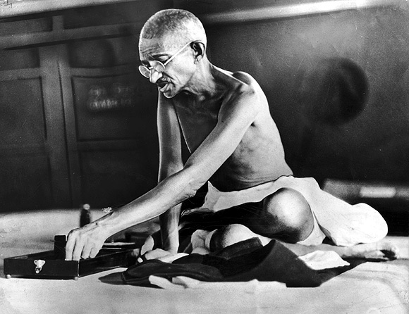 Gandhi was against proselytising, said Gandhi's grandson Arun
