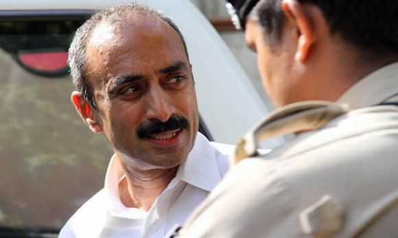 Voluminous evidence is available of disgruntled IPS officer  Sanjeev Bhatt  communicating with the Pradesh Congress leadership on how to implicate Modi, says Jaitley