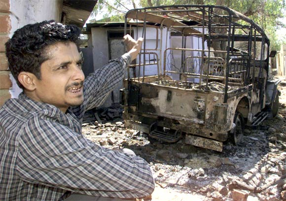 A man narrates the incident of a mob attack in a village in Mehsana