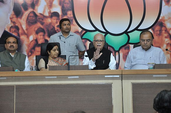 BJP cries foul before President; wants Lokpal session reconvened