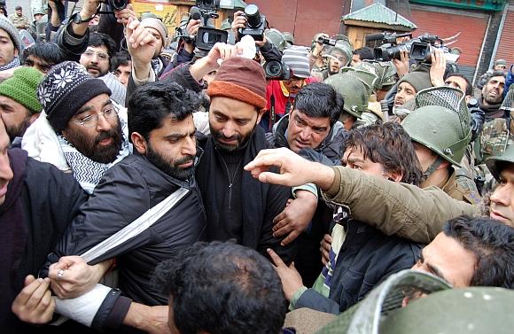 Police detain JKLF chairman Yasin Malik