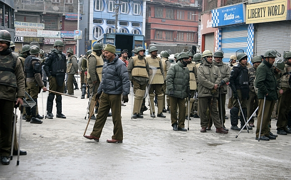 Security stepped up in Srinagar