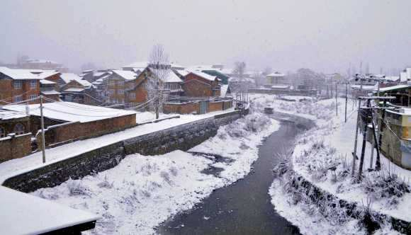 The heavy snowfall has also knocked out power and telephone lines in Kashmir