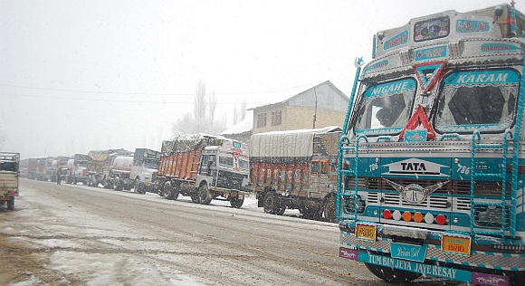 The national highway remained closed because of the heavy snowfall
