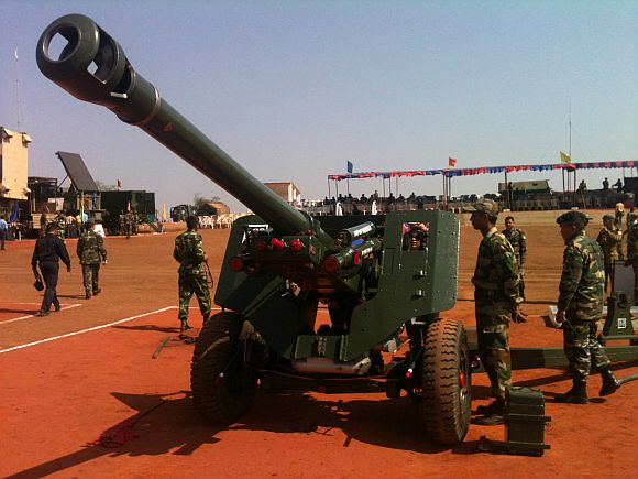 The 105 mm field gun displayed at Exercise Topchi