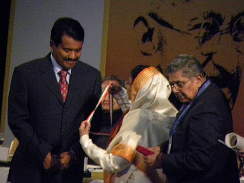 P V Radhakrishna Pillai receiving the award from Pratibha Patil