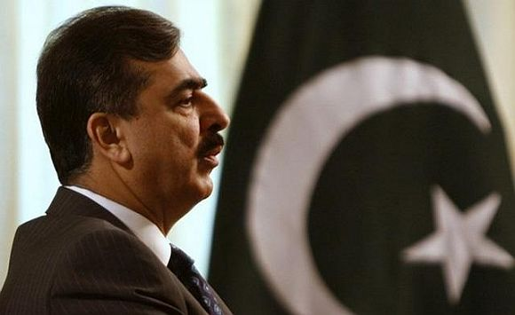 Pak PM Gilani held GUILTY, spends 30 seconds in jail