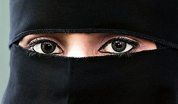 UN-ISLAMIC: Women travelling alone beyond 48 miles