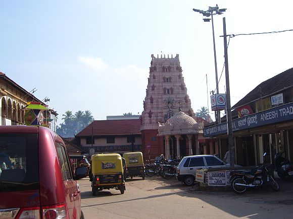 The Naalbeedi (Car Street) in Udupi. In the background is the famous Krishna Matha temple