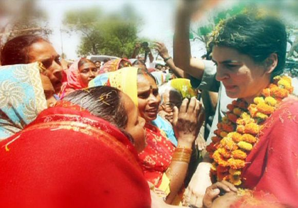 Priyanka gets warm reception at Amethi