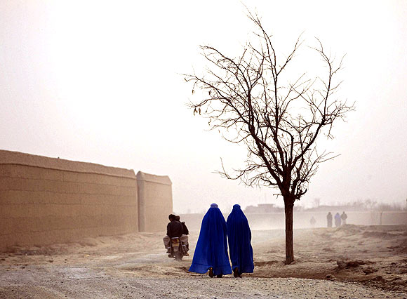Afghan women in the town of Bagram, north of Kabul.