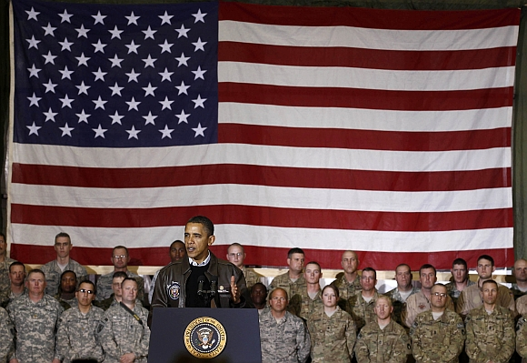US President Barack Obama meets with troops at Bagram Air Base on December 3, 2010