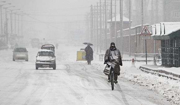 PHOTOS: North India freezes in cold wave