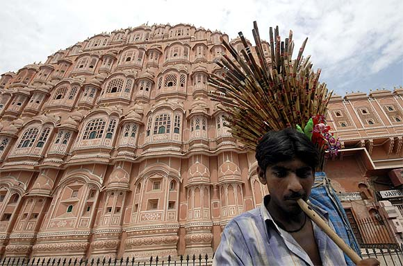 A flute-seller outside the Hawa Mahal in Jaipur