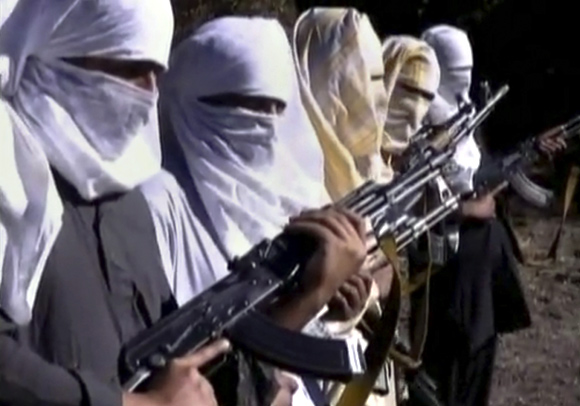 Pakistani Taliban fighters receive training in Ladda,