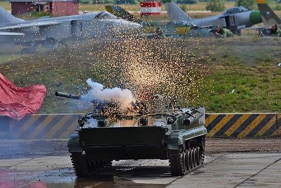 A Russian T-90