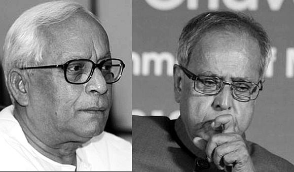 (Left) Former Bengal CM Buddhadeb Bhattacharya. (Right) Pranab Mukherjee