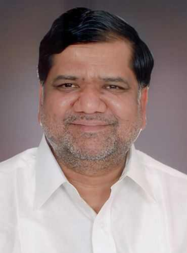 Jagdish Shettar will take over from Sadananda Gowda