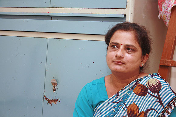 Sheela wants a job that will help her pay her son's fee and become self-dependent.