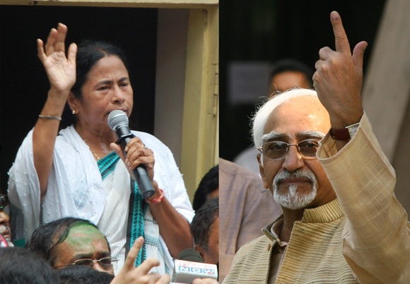 Mamata Banerjee lends Hamid Ansari a helping hand