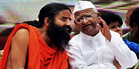 Hazare, Ramdev pull UPA govt by the collar