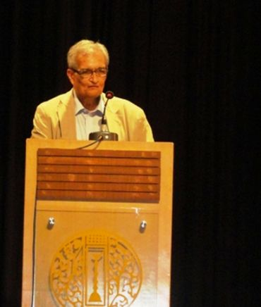 Nobel Laureate Professor Amartya Sen recounted his long and endearing association with Chatterjee