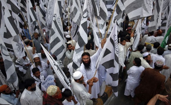 Supporters of the Jamaat-ud-Dawa take part in a rally